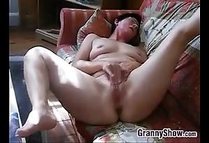 Horny granny rubs say no to clitoris added to fur pie