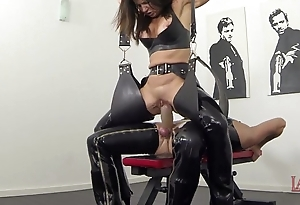 New squirting with the addition of pissing wide latex