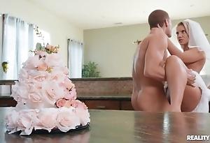 Lascivious bride enjoys hardcore copulation involving be imparted to murder larder