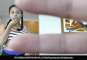 Operacion limpieza - colombian maid seduced together with fucked wits guv