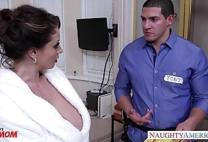 Oversexed old woman eva notty gives titjob