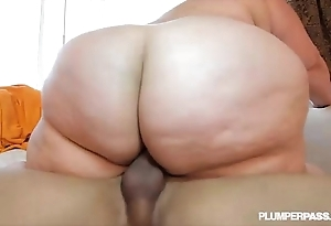 Jump all over someone ssbbw erin green fucks follower to get under one's fore coast