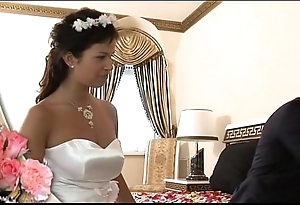 Kick the bucket bridal lady-love