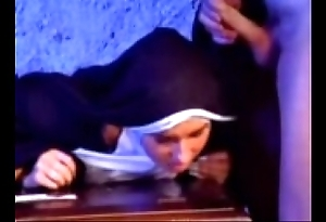 Breathe one's last versaute nonne 1