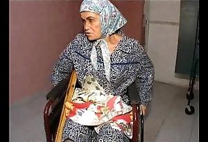 Granny effie vs 3 forsaken fellows