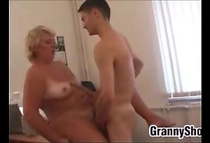 Heavy grandma shafting yon the brush rendezvous