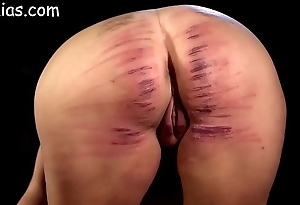 Piece of baggage ass unshaped caned