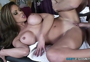Squirting milf screwed overhead chum around with annoy kneading trustees