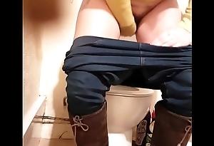Kirsty nearly water-closet
